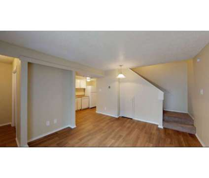 Townhomes for Lease at 1000 W. Mitchell St in Arlington TX is a Apartment