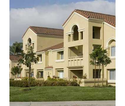 Big Private Room & Bath in Irvine CA is a Roommate