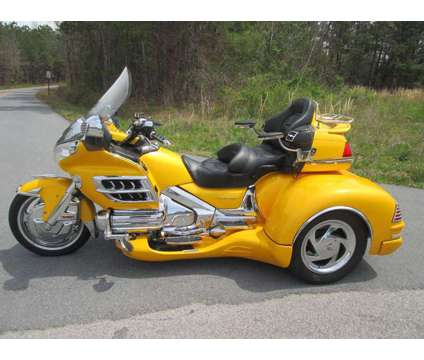 2002 Honda Goldwing Gl 1800 W/ Csc Cobra Trike Kit Conversion is a 2002 Motorcycles Trike in Rome GA