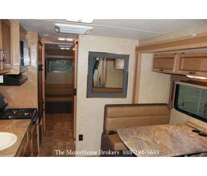 2015 Thor Axis 25.1 (in Mississippi) is a 2015 Motorhome in Salisbury MD