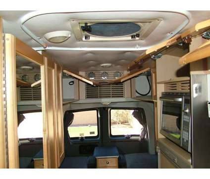 2005 Roadtrek 210 Popular is a 2005 Motorhome in Toronto ON