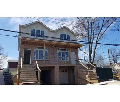 House for Sale at 488 Bedford Ave in Staten Island NY is a Single-Family Home