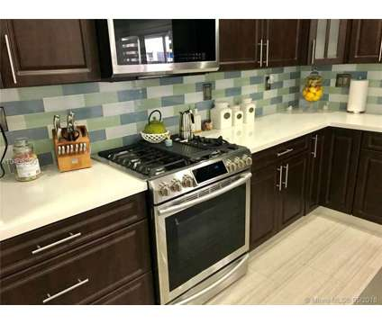 Beautifully upgraded! 3 bed/2.5 bath Townhouse in Miami FL is a Condo