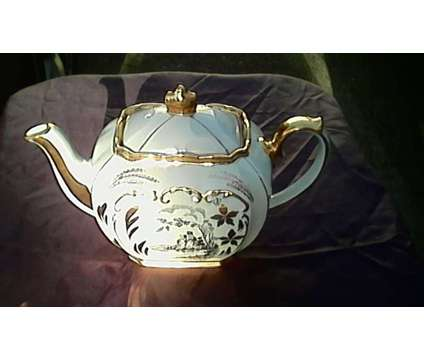 Vintage Sadler Teapot is a Collectibles for Sale in Mount Vernon WA