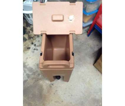 Cambro Coffee Containers is a Restaurant & Retails for Sale in Jacksonville FL