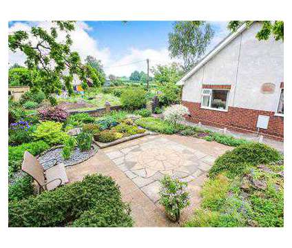 2 bed Bungalow - Detached in Rugby WAR is a House