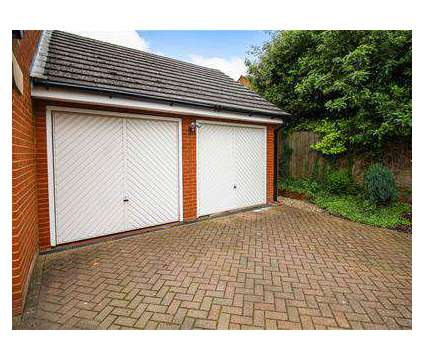 5 bed House - Detached in Northampton NTH is a House