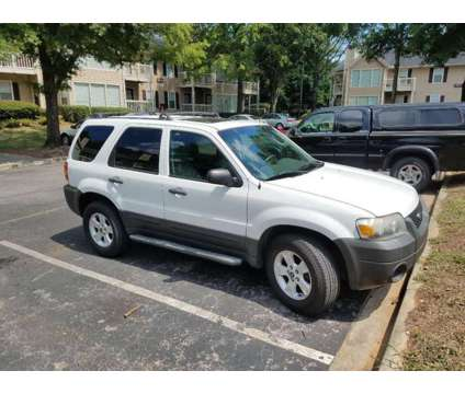 Ford Escape XLT 2007 is a 2007 Ford Escape XLT SUV in Pelham AL