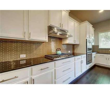 Come view this beautiful David Weekly home with unique open floorplan to this at 112 Fontainebleau St in Georgetown TX is a Short Term Housing