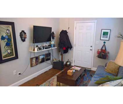 Home for Rent at 203 Fishburne St in Charleston SC is a Home