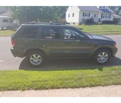 2008 Jeep Grand Cherokee Laredo 4x4 is a 2008 Jeep grand cherokee Laredo SUV in Newark NJ