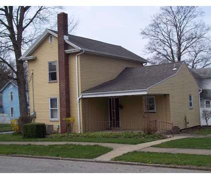 3 Bedroom Columbiana home - Sale Pending at 104 Union St. in Columbiana OH is a Single-Family Home