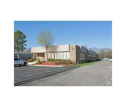 Office space available - Fantastic Location in Farmington Hills MI is a Office Space