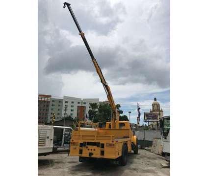 2002 International IMT 5200 Crane Knuckleboom is a 2002 Crane Truck in Miami FL