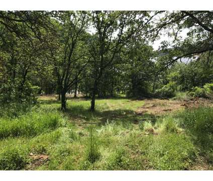 Southern Oregon Income Property 5000 Sq Ft Buildings & Additional 2.8 Acre at 260 Mclain Roseburg Or in Roseburg OR is a Industrial Property for Sale