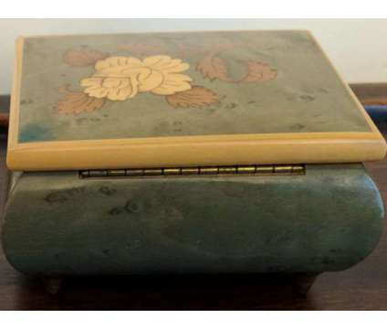 Vintage Swiss Reuge Music Box is a Green, Yellow Collectibles for Sale in Novato CA