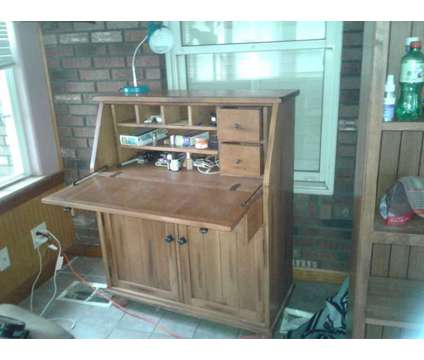 Multiple furniture pieces is a Other Appliances for Sale in Clarksville TN