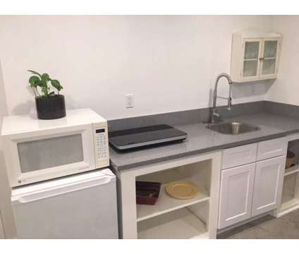 For Lease: 1 Bed 1 Bath Guest Quarters in Studio City at 11771 Laurelwood Dr in Los Angeles CA is a Short Term Housing