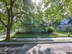 HUD Foreclosed - Single Family Home in Indianapolis