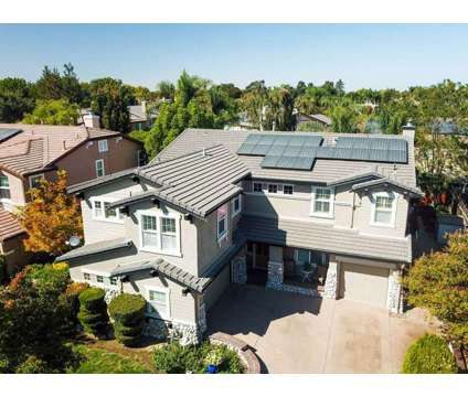 ✨Gorgeous Two Story Home For Sale in Brentwood in Brentwood CA is a Single-Family Home