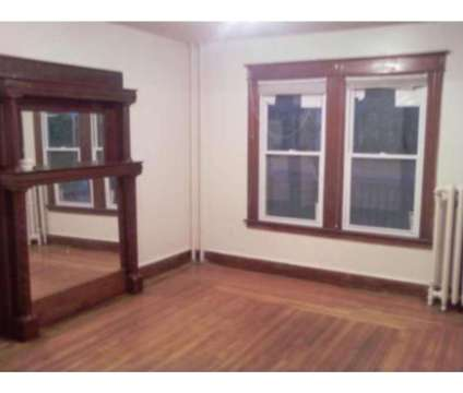 3 Bedroom Apartment for Rent. Great Price; Quiet Location!! Parking in Hartford CT is a Apartment