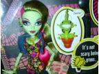 7 Monster High Dolls - brand new in boxes plus free doll when buy all