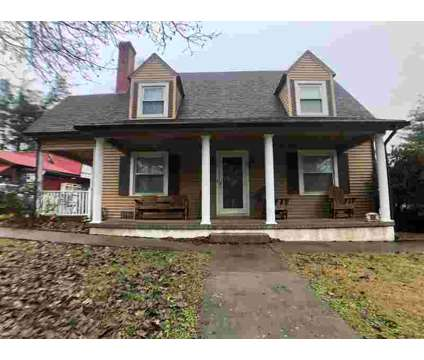609 N Main Street Elizabethtown Three BR, You must come tour this at 609 N Main St in Elizabethtown KY is a Real Estate and Homes