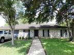 107 Tanglewood Drive Victoria, TX