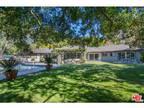3263 Oakdell Road North Hollywood, CA