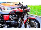 2013 Triumph Bonneville- Only 207 miles-like new -mature owner- garage