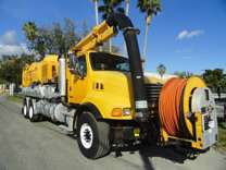 2005 Sterling L9500 Vactor vacuum/jetter combo truck
