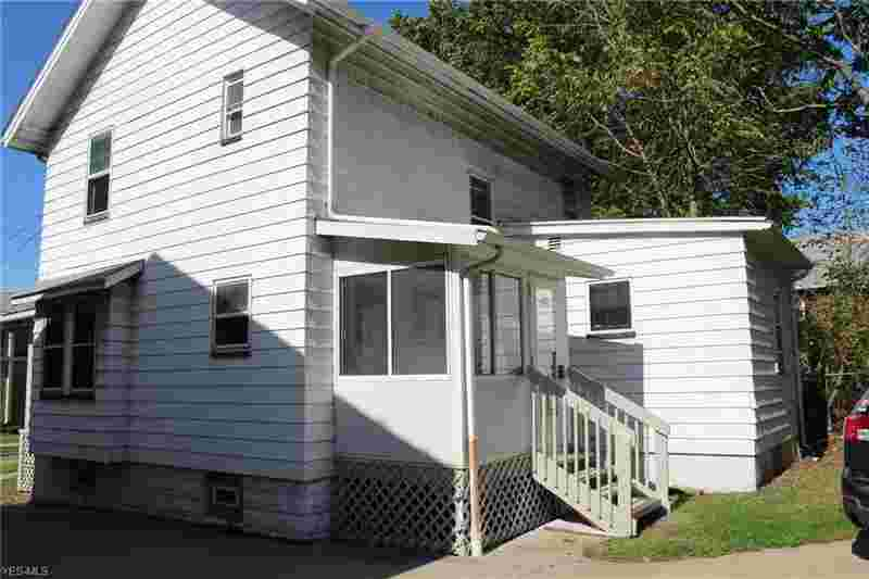 1047 Brown St Akron, Four BR h