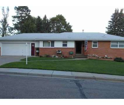 802 12th Avenue NW Mandan Three BR, .Are you looking for that at 802 12th Ave Nw in Mandan ND is a Real Estate and Homes