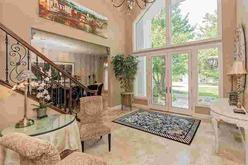 255 Orange Tree Dr Chagrin Fal