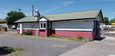 459 Basin ST NW Ephrata, Income property with a business