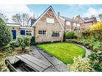 Three BR Detached House For Sale In Huddersfield, West Yorkshire