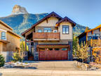 Brand New Contemporary Home/Tranquil Setting