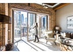 STREETERVILLE: River/Lake Views, Wood Floors, Walk Ins, W/D