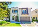 For lease is a Beautiful TURNKEY 2015 Custom built 2 stories townhouse, loca...