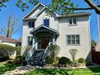 Five BR in RIVER FOREST IL 60305