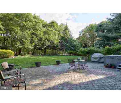 10 Bedford CT GIBBSBORO Four BR, Welcome to this immaculately at 10 Bedford Court in Gibbsboro NJ is a Real Estate and Homes