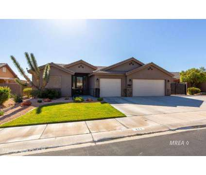 471 Grapevine Rd Mesquite, Looking for a spacious Four BR at 471 Grapevine Road in Mesquite NV is a Real Estate and Homes