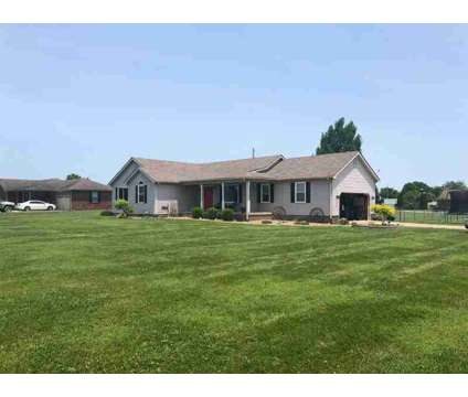 101 Tremont Drive BEREA Three BR, Welcome home to a great one at 101 Tremont Dr in Berea KY is a Single-Family Home