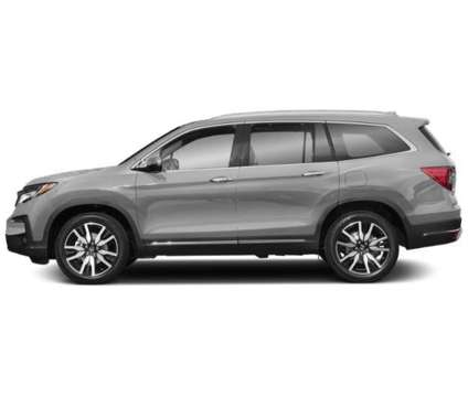 New 2019 Honda Pilot AWD is a Silver 2019 Honda Pilot Car for Sale in Norwood MA