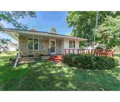 699 Labore Road Little Canada Four BR, Wonderful one-owner home at 699 Labore Rd in Saint Paul MN is a Single-Family Home