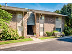 Knoxville Two BR Two BA, SMART & STRONG!!! Updated 2nd floor Unit