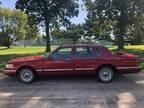 1995 GARNET RED GLAZE METALLIC Lincoln TOWN CAR EXECUTIVE