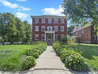 Chicago Six BA, Stately Nine BR colonial mansion and Coach