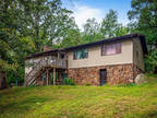 4693 Mountain Road