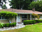 Portland Three BR One BA, MOVE-IN READY! 1950's ranch on large lot.